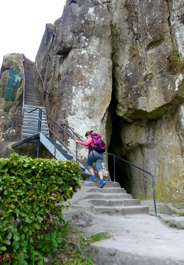 Aufstieg auf die Externsteine im Teutoburger Wald